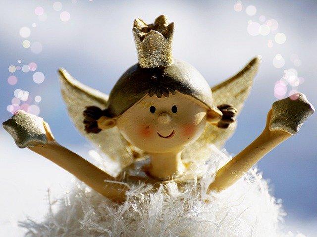 Vánoční výzdobu letos nechte na dětech. Budete mít doma jedinečnou a originální atmosféru a za hubičku.